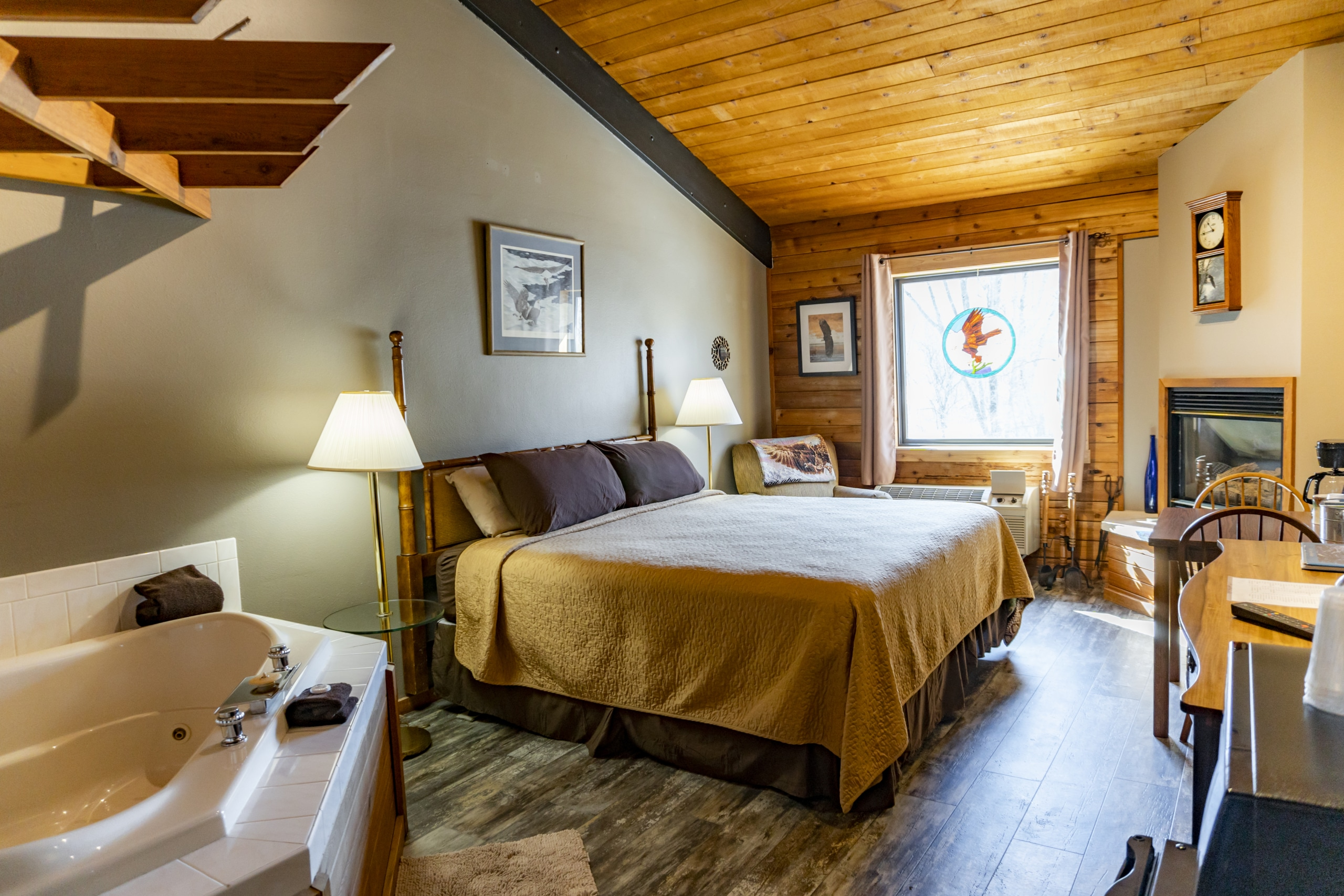Eagle Suite at Coffee Mill Inn